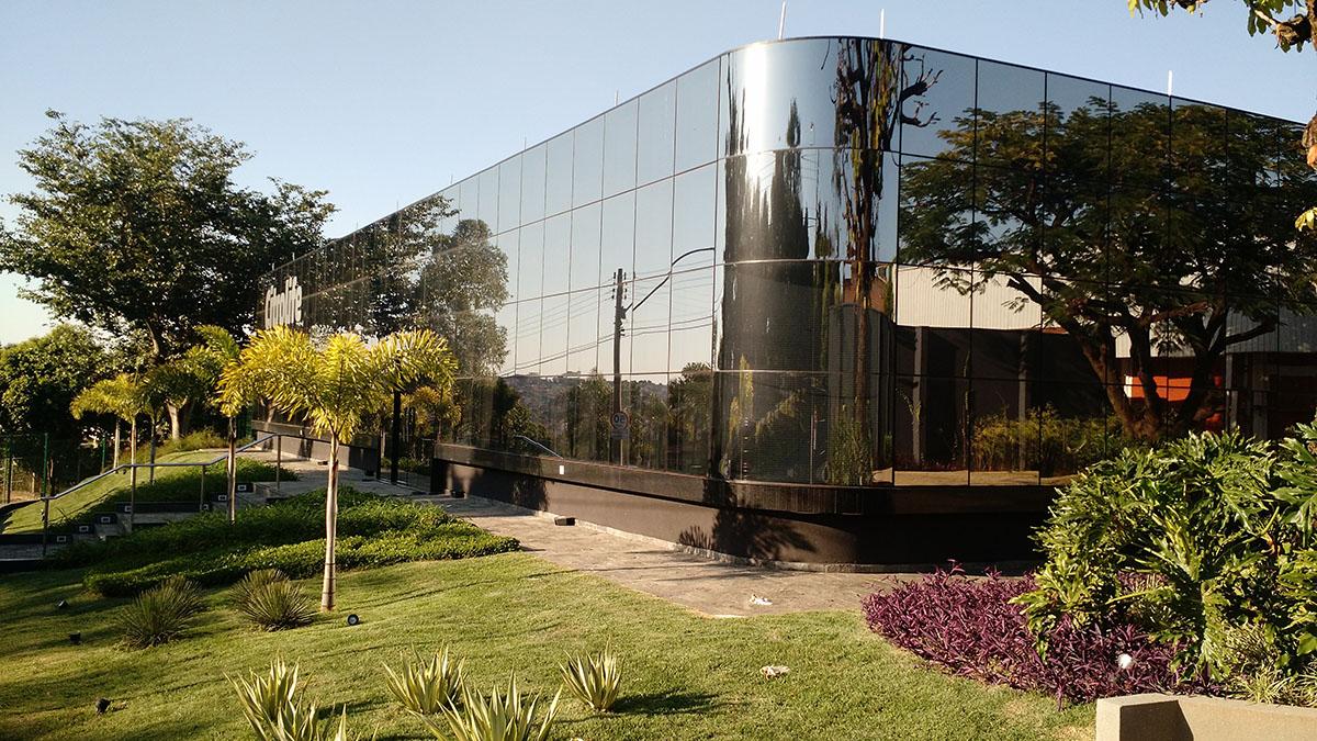 fachada vidro arquitetura engenharia