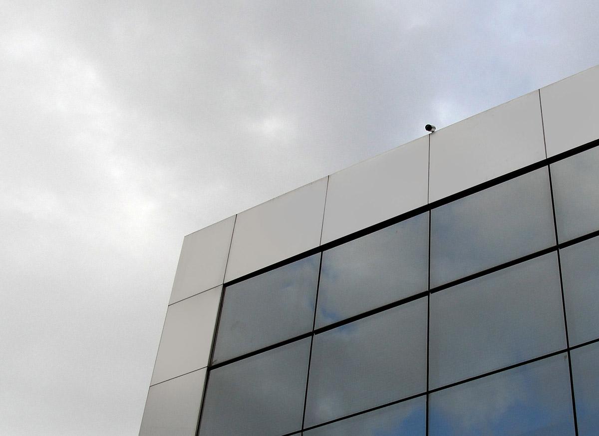 revestimento em acm para fachada comercial